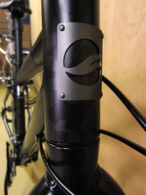 自転車の 自転車 サドル おすすめ クロスバイク : スタイリッシュなクロスバイク ...